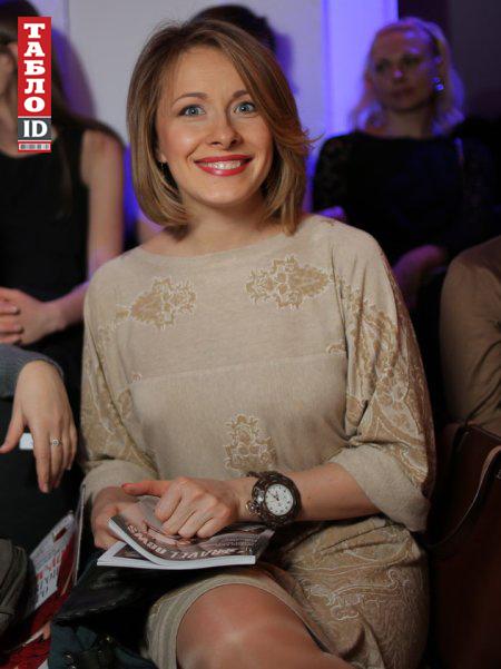 foto-eleni-kravets-golaya
