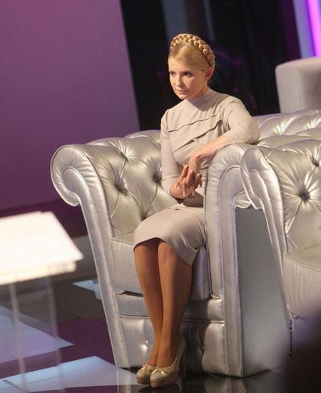 общем юлию тимошенко в чулках белье глажу полы