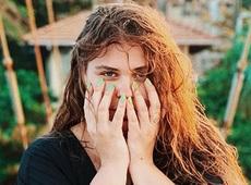 Солістка популярного гурту Kazka на Шрі-Ланці засвітила сідниці в купальнику (пікантні фото)