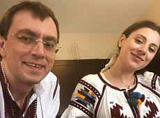 У міністра інфраструктури Омеляна народилася дочка-американка (фото)