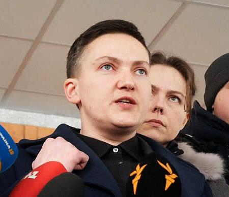 """""""Терористка"""" Надя: з Савченко у мережі зробили героїню бойовиків (фотожаби)"""